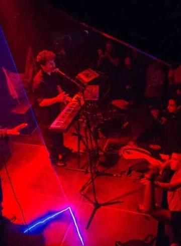 Συνθετικοι Live at 8Ball Club